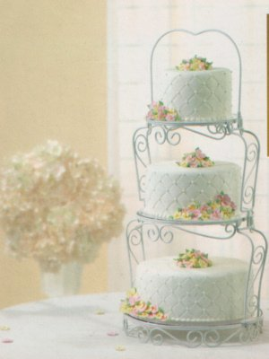 Vintage Wedding Cake Stand - Cake Geek Magazine