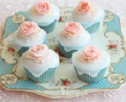 Easy Cupcake Decoration: Poured Fondant
