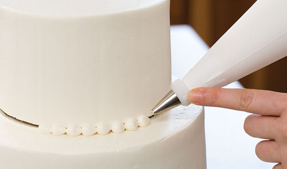 Decorating Cake Tips For Piping : Piping Pearls & Beaded Garlands - Piping Techniques Part 1 ...