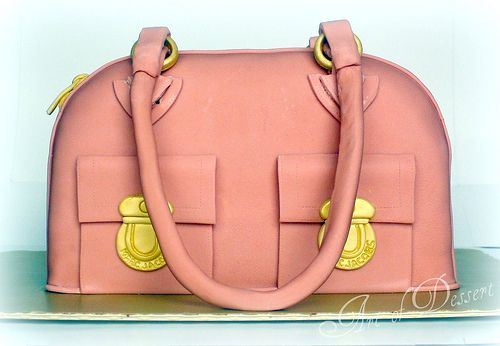 Marc Jacobs handbag cake tutorial by The Art of Dessert