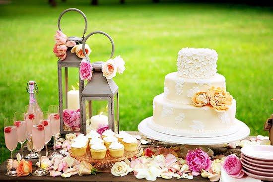 spring-floral-garden-dessert-table, image by Erin Volante