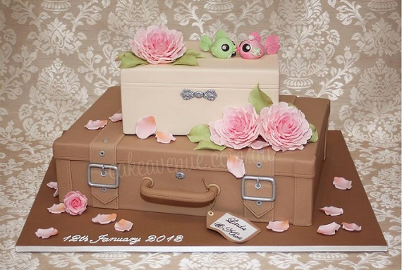 suitcase cake vintage luggage cake by Cake Avenue