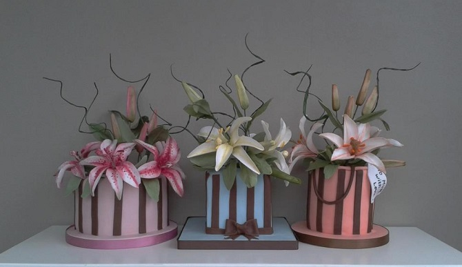 botanical style cakes from The Brighton Cake Company