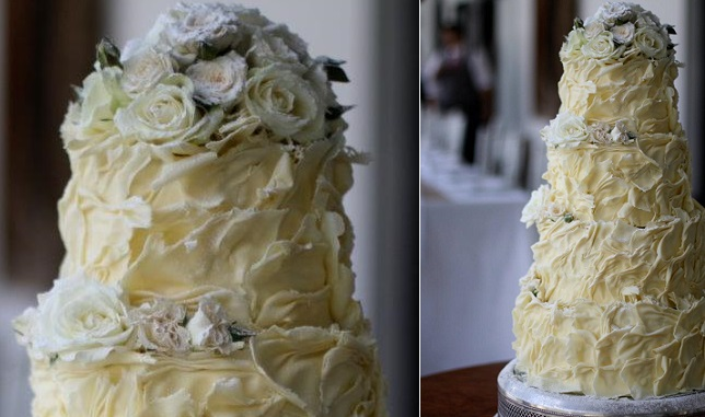 white chocolate ruffle wedding cake by Kanya Hunt with sugared roses