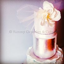 birdcage veil wedding cake with tulle by Yummy Cupcakes & Cakes