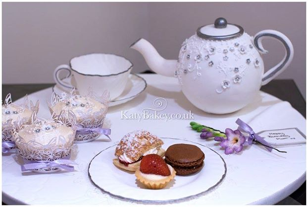 teapot cake and tea set cake by Katy Bakey UK