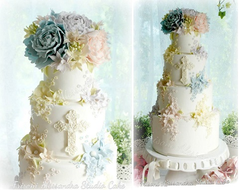 trailing sugar flowers communion cake by Alessandra Frisoni