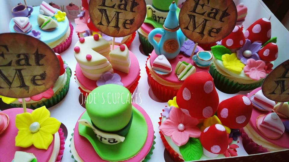 Alice in Wonderland cupcakes by Jade's Cupcakes