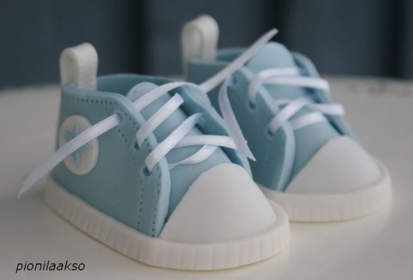 How To Make Baby Shoes Out Of Fondant