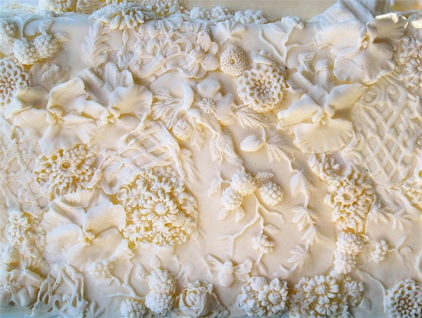bas relief cake design by Maggie Austin