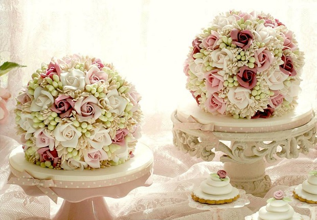 rose dome cakes by Alessandra Frisoni