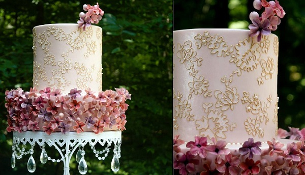 gold lace piping Custom Cakes Atelier.jpg1