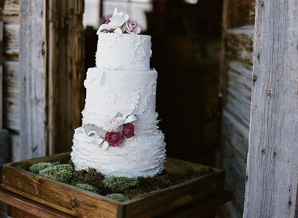7. silver foliage, lace and moss, Megan Joy Cakes, Cara Leonard Photo