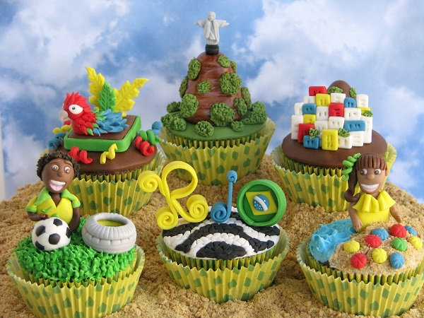 Rio de Janeiro, Brazil cupcakes by Lynlee North Beckett of Lynlee's Petite Cakes
