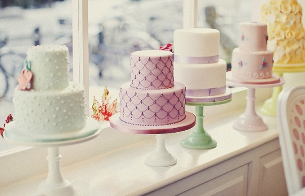 scalloped piping cake from the cake collection of Peggy Porschen