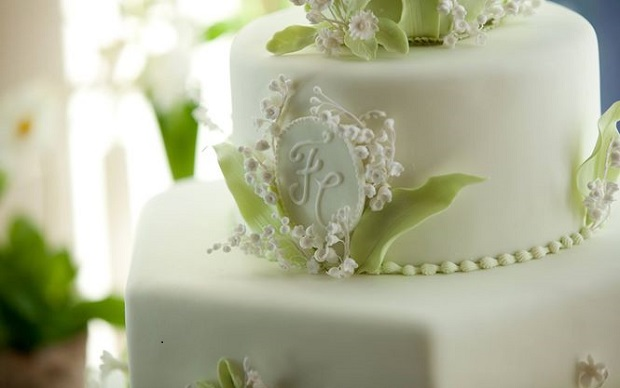 gumpaste lily of the valley wedding cake by Fiona Cairns