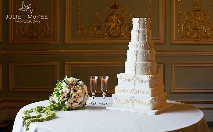 Edwardian style wedding cake by Janet Mohapi Banks, image by Juliet McKee Photography