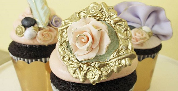 gilded frame cupcakes via Bonnie Gordon College of Confectionary Arts