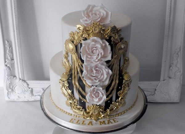 gilded gold framed cake design by Dee's Sweet Surprises