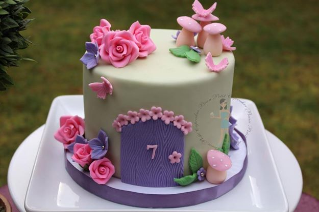 secret garden cake by Beau Petit Cupcakes