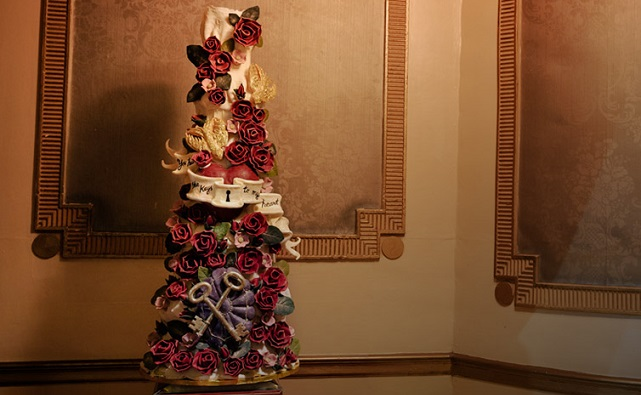 secret garden wedding cake by Choccywoccy doodah UK