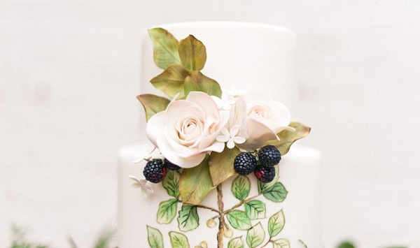blackberry bramble wedding cake with roses by Cakes by Krishanthi for Bloved Wedding Blog, image Anushe Low