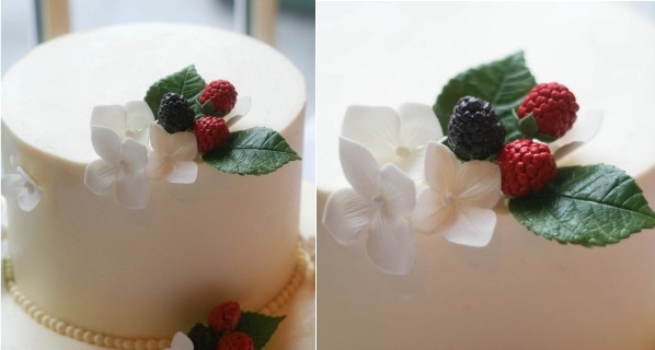 blackberry wedding cake for autumn with leaves and blossoms by Erica O'Brien