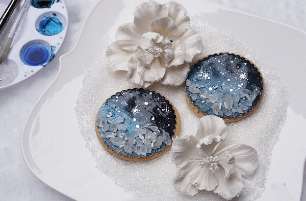 winter sugar flowers and glitter cookies by The Caketress