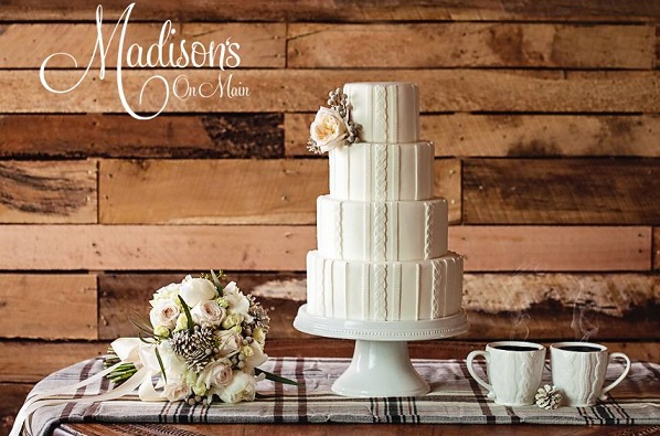 winter wedding cake knitted effect from Madisons on Main, Kevin Paul Photography