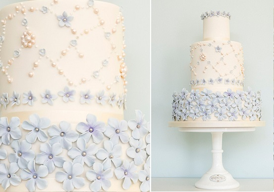 blue floral wedding cake by Rosalind Miller