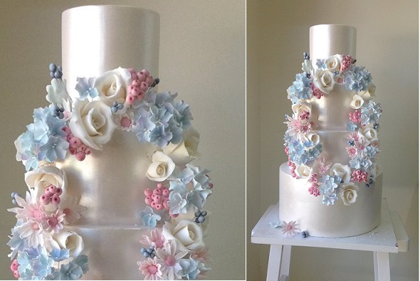 floral wreath wedding cake by Cakesalouisa