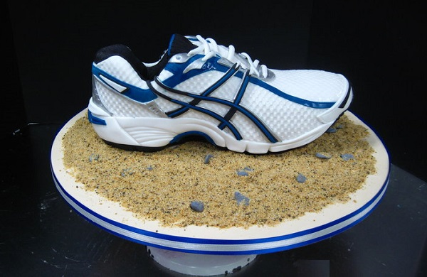 running shoe cake sneaker cake by Cake Nouveau