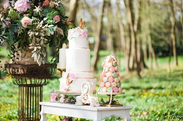 Boho wedding cake with feathers and florals, Cat Hepple Photography