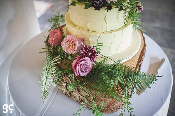 Boho wedding cake with woodland fern by Leslie's Cakes, Guy Collier Photography