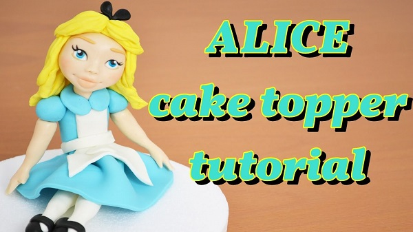 Alice in Wonderland cake topper tutorial by Clara Altomare