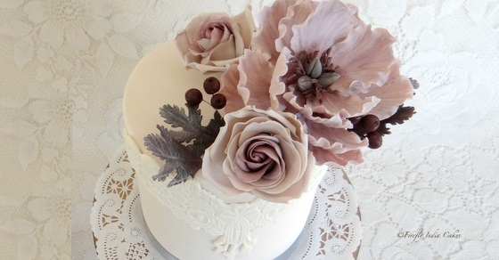 berries and roses wedding cake by Firefly India