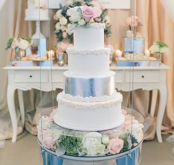 Scroll border wedding cake with silver leaf by De La Rosa Cupcakes, Peggy Saas Photography, Touch By Angels suspended cake stand