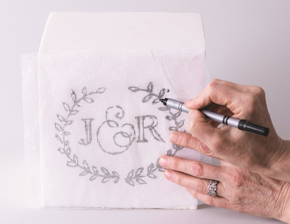 Cake calligraphy tutorial by Faye Cahill from The Gilded Cake, 3