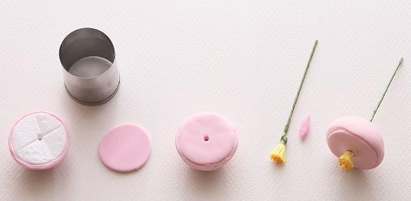 Gumpaste English Rose Tutorial from Sugar Flowers by Naomi Yamamoto, B Dutton Publishing, Takeharu Hioki Photography, B
