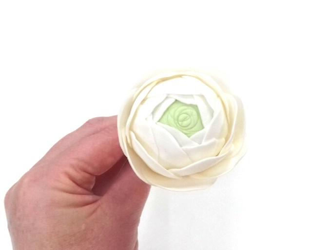Gumpaste ranuncula tutorial - quick & easy