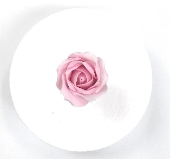Gumpaste Rose Tutorial - Quick & Easy Wired Rose