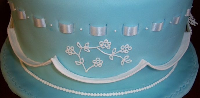 Freehand lace piping or lace embroidery by JGMB on Cake Central