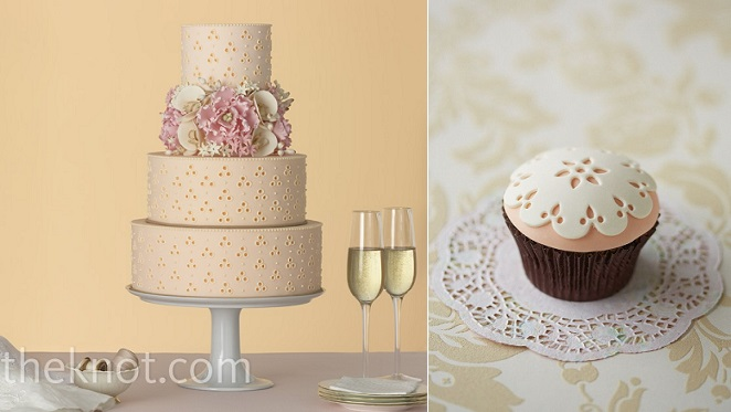 broderie anglaise or eyelet lace cakes from TheKnot.com (left) and Deagostini (right)