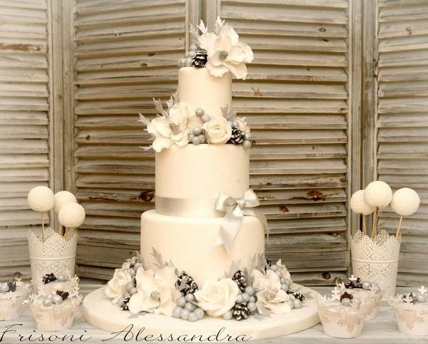 winter wedding cake by Alessandra Frisoni
