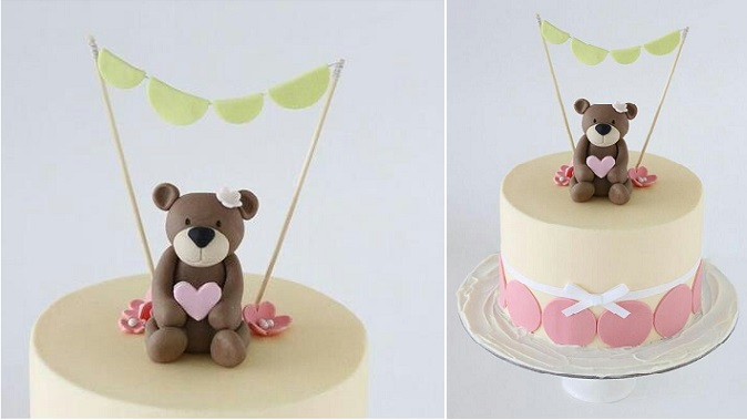 valentines cake with bunting and teddy bear cake topper via Tumblr