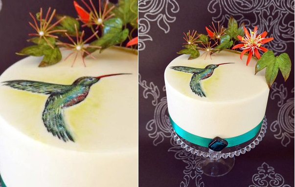 hand painted cake kingfisher bird design by Butterfly Dream Cakes