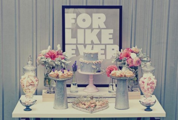 sweet table or wedding dessert table via casarei.net