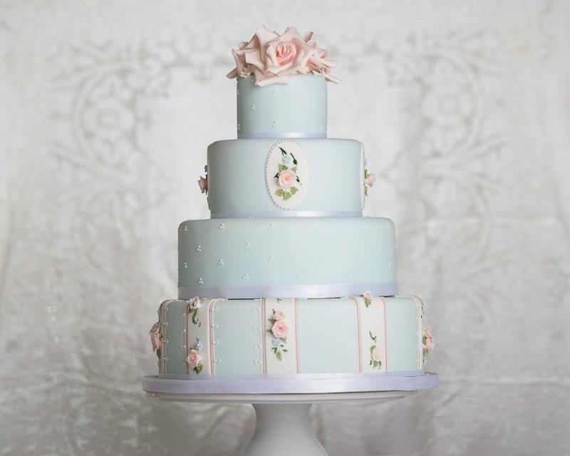 blue wedding cake vintage roses by Bath Baby Cakes, John Barwood Photography