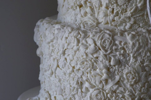 bas relief cake by T Bakes