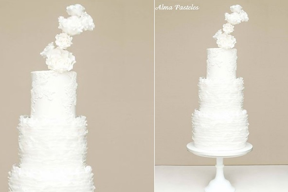 contemporary sugar flower arrangement wedding cake by Pasteles Alma